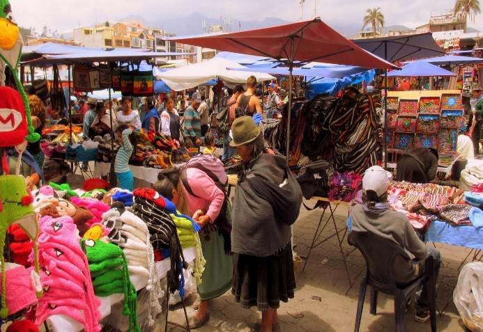 Kunsthandwerksmarktes von Otavalo Gruppenreise Ecuador