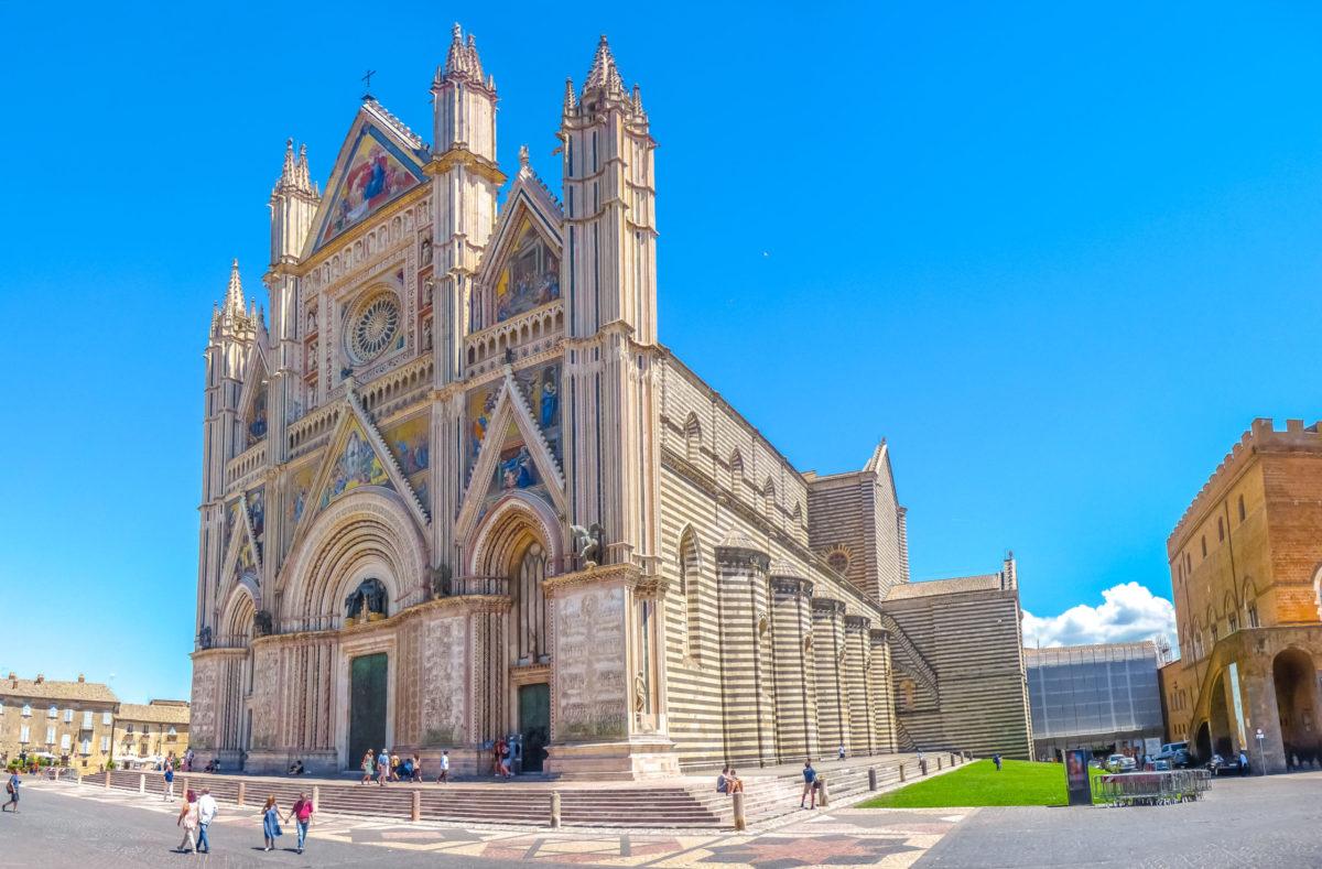 Entdeckung des Doms von Orvieto in der Toskana