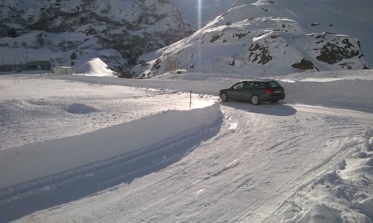 TCS-Strecke in Bourg-St-Pierre fährt auf Schnee