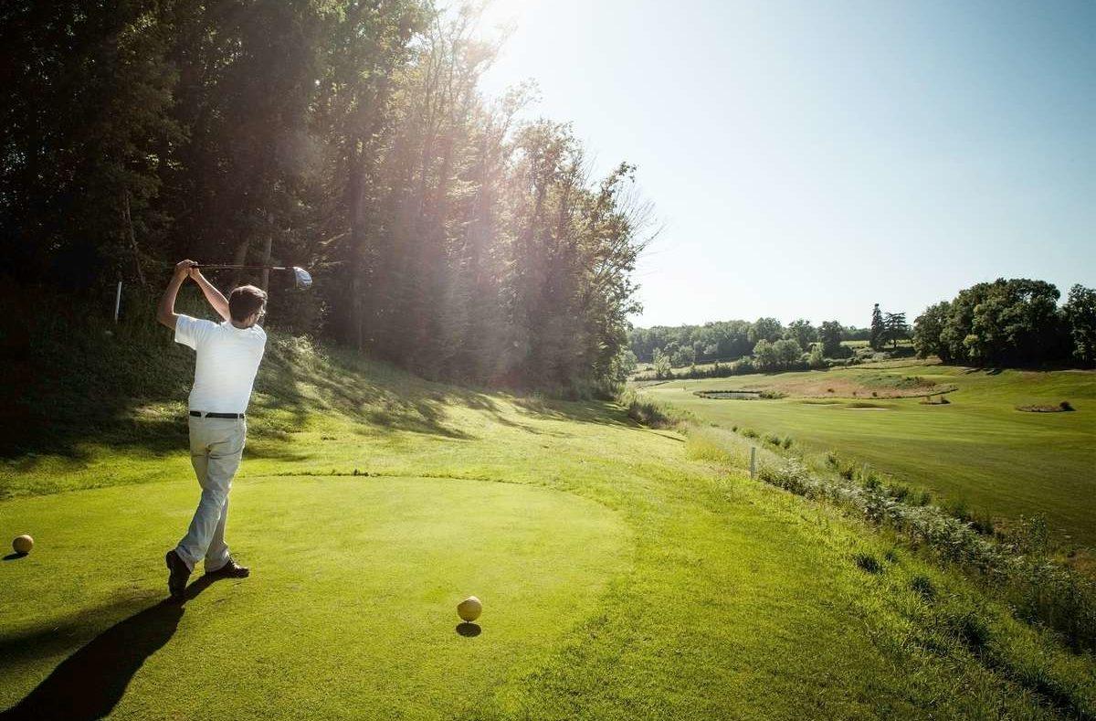 Golfplatz mit Pro im Château des Vigiers in der Dordogne