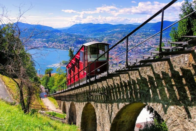 die Standseilbahn zum Monte Brè
