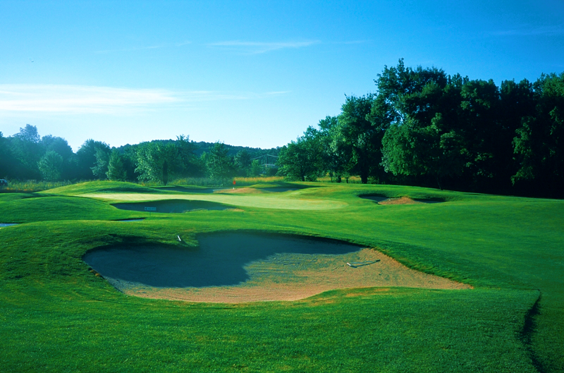 Golfplatz mit Pro im Golf de la Grande Bastide Frankreich