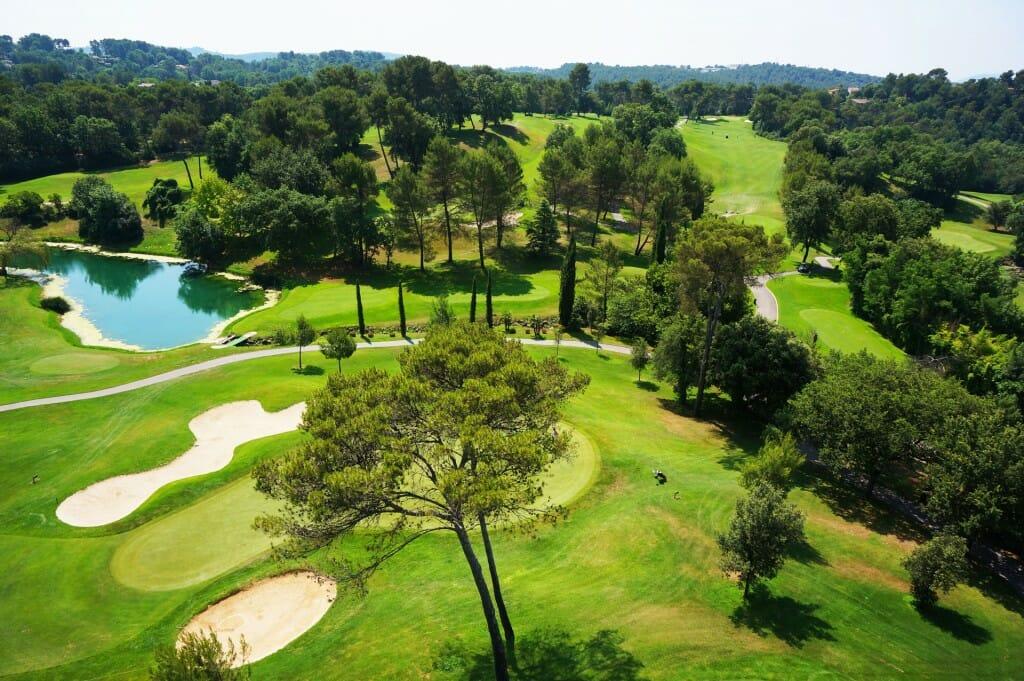 Golfplatz mit Pro bei Golf Saint Donat Frankreich