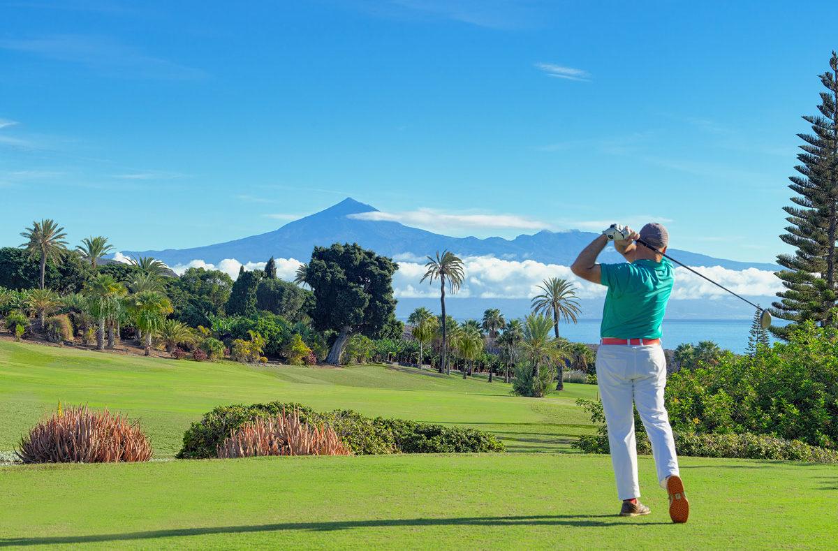 Golf in La Gomera mit Blick auf den Teide