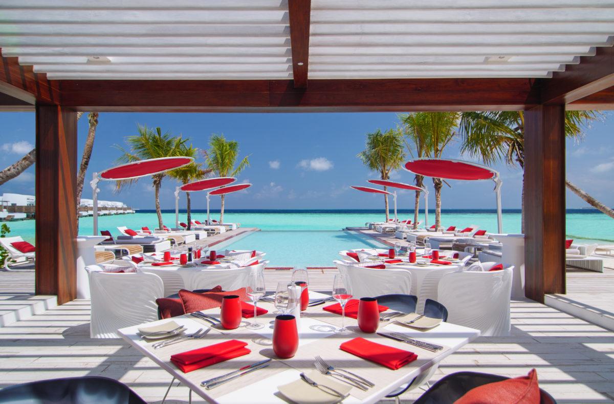 Lux North Malé Beach Rot Deck
