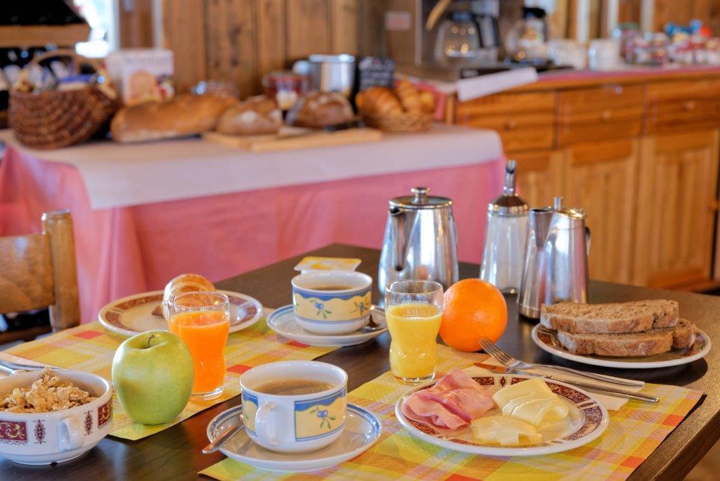 Übernachtung und Frühstück im Hotel Bivouac Bourg St. Pierre