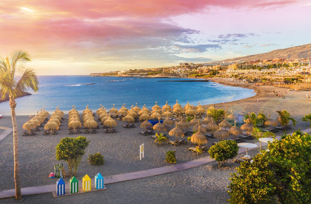 Strand Fanabe an der Küste von Adeje Teneriffa