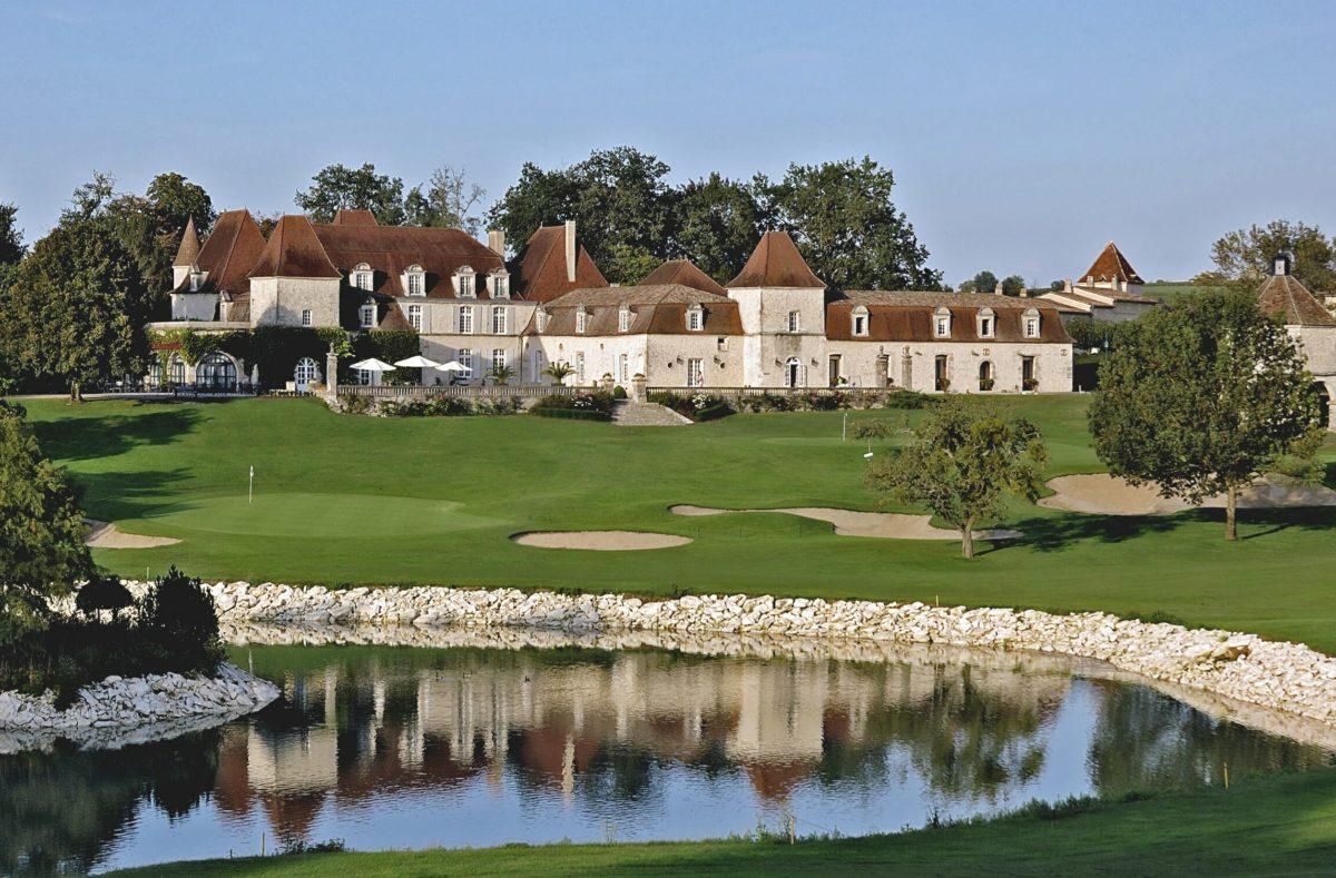 Domaine du Château des Vigiers für Golfplatz mit Pro in Frankreich