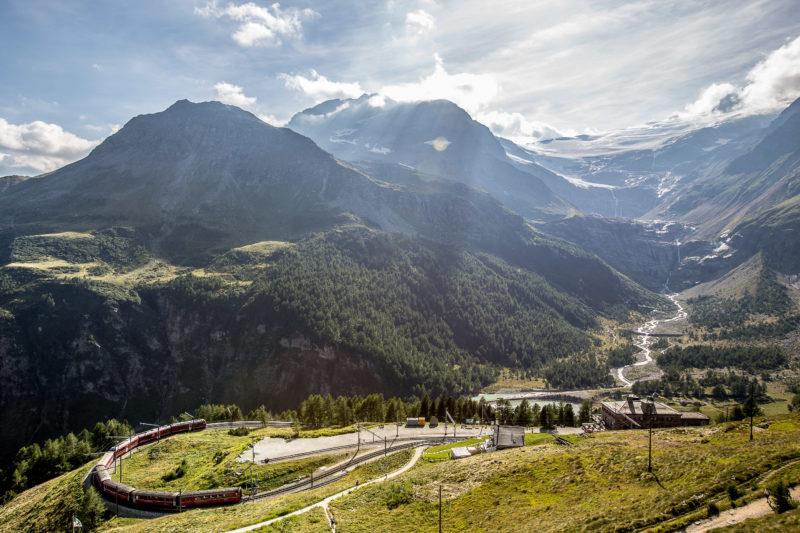Alp Grüm mit dem Palü-Gletscher im Hintergrund bernina