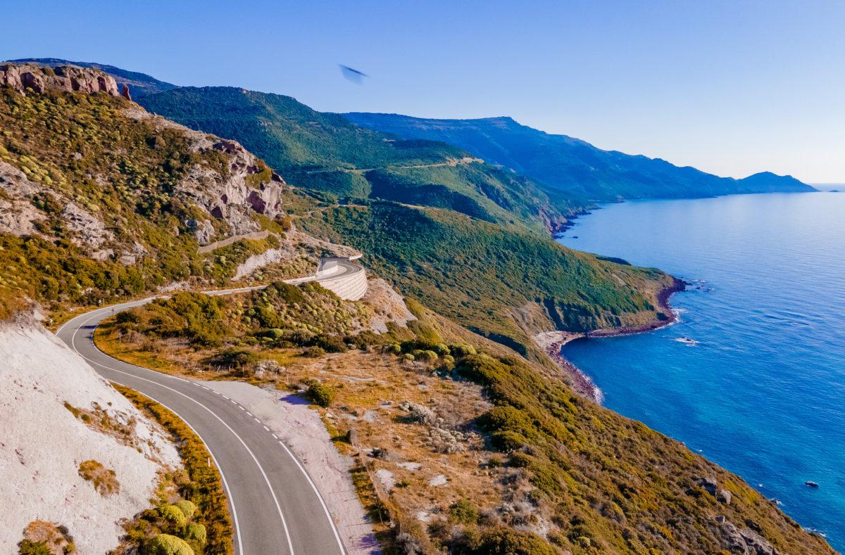 Panoramastraße von Alghero nach Bosa Motorrad-Roadtour nördlich von Sardinien