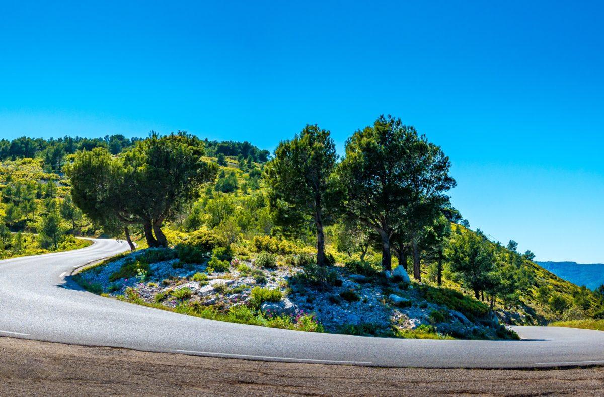 Route des Crêtes bei einem Roadtrip in Südfrankreich